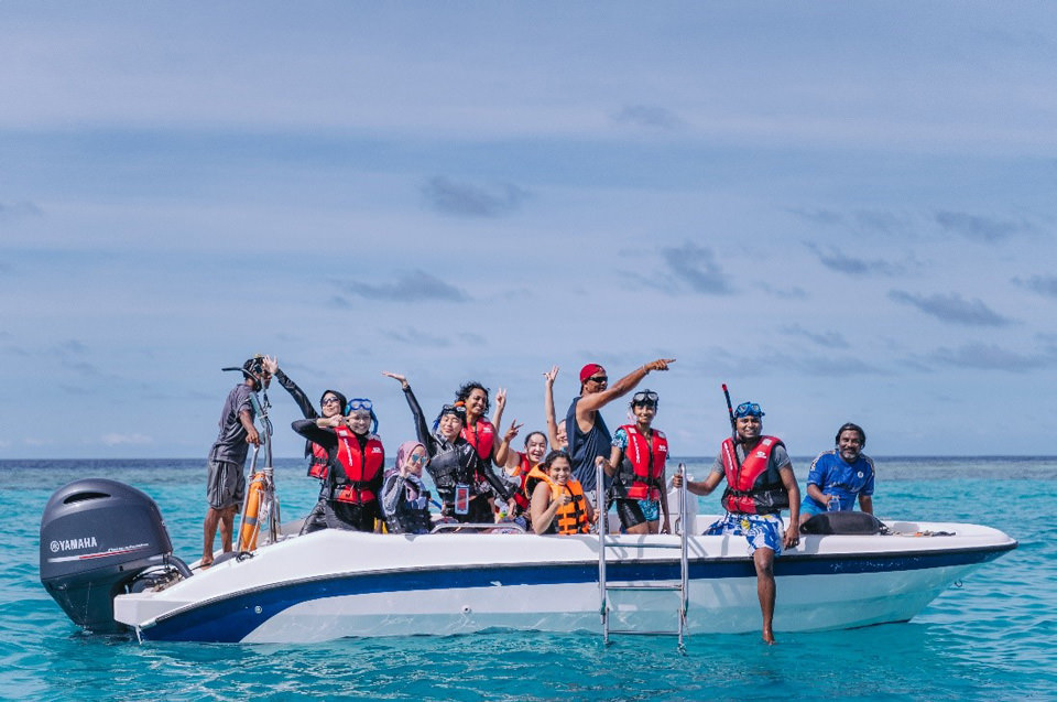 Coral Reef Snorkeling was arranged during the study tour, to encourage the preservation of coral reefs.