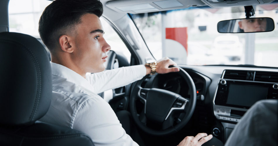 4 Reasons Why You Should Make Sure Your Drivers Aren't Distracted on the Road