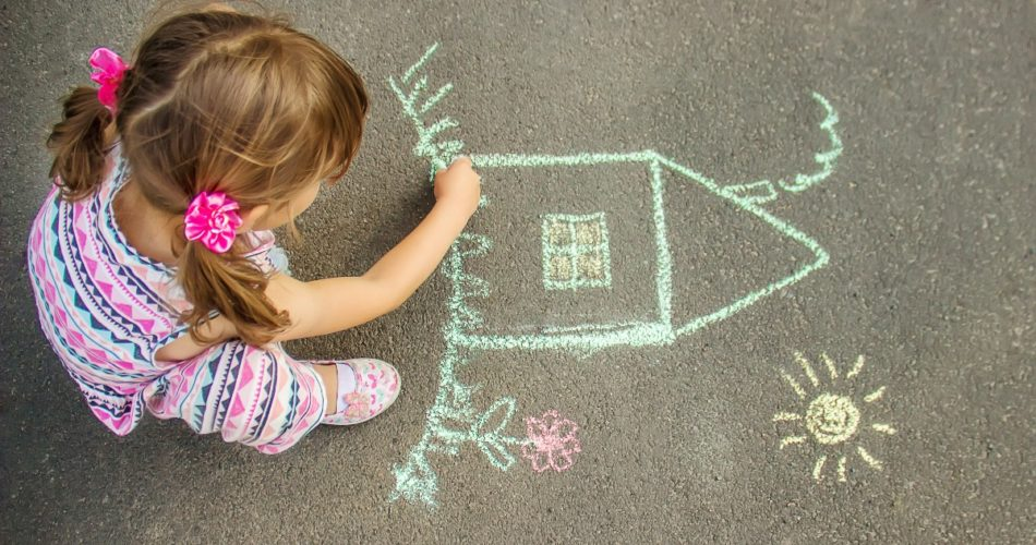6 Handy Tips That Will Help Your Child Become More Artistic and Creative
