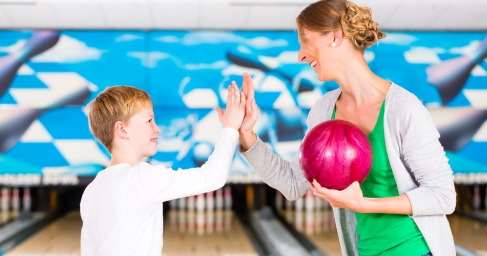 How to Choose Perfect Bowling Alley for You and Your Family