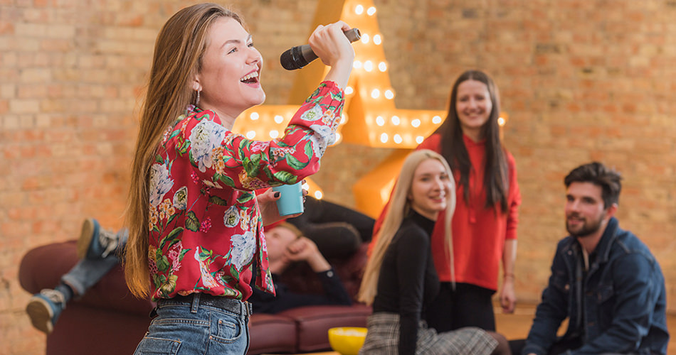 Top 5 Karaoke Fashion Tips that Will Help You Command the Stage